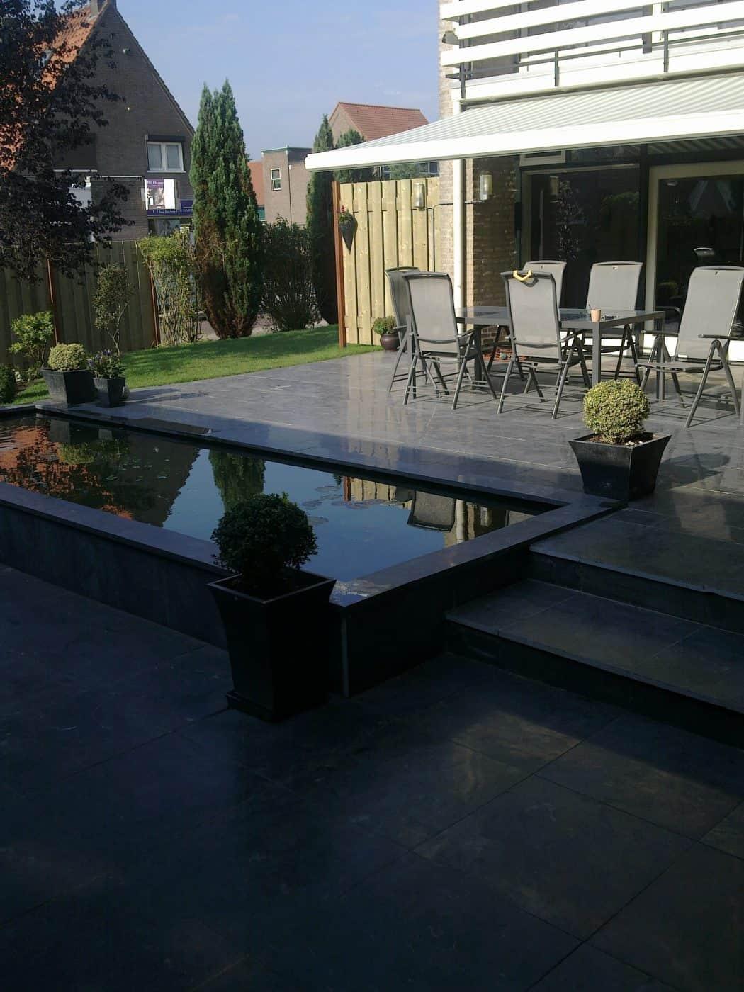 Van de Schoot Hoveniers Dinther achtertuin aangelegd met vijver