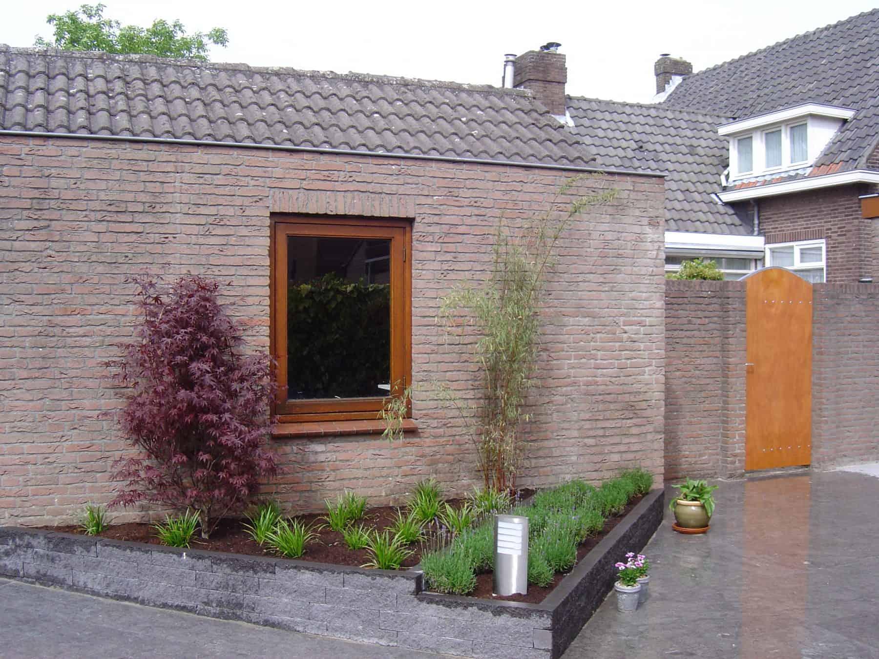 Van de Schoot Hoveniers Dinther moderne achtertuin met vlonder 7