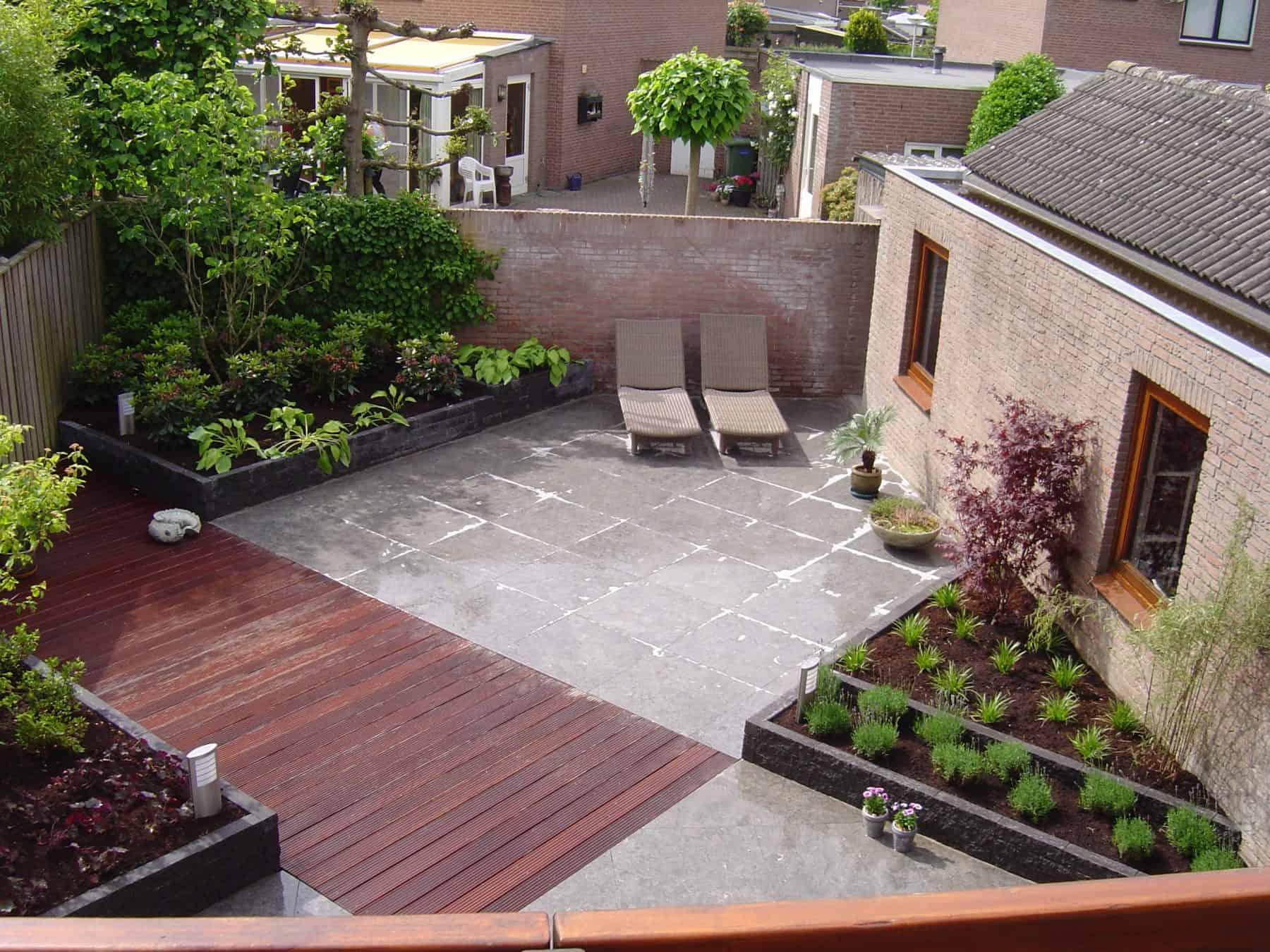 Van de Schoot Hoveniers Dinther moderne achtertuin met vlonder